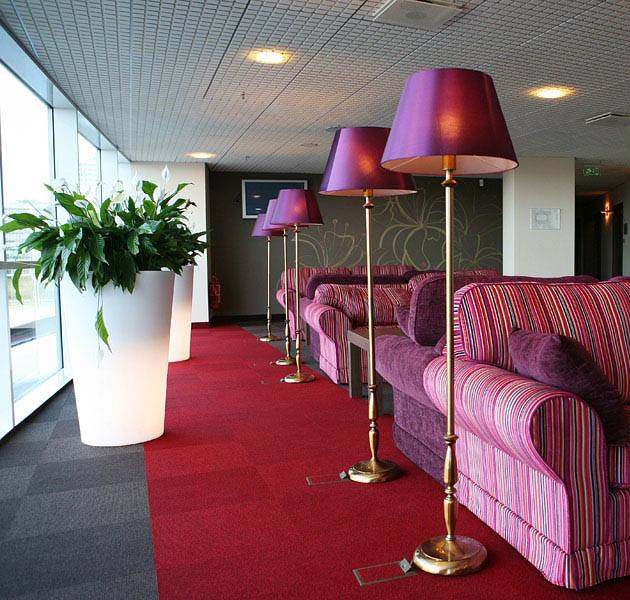 Inspiration Grande Reference hotel office origami dalles salon canapes