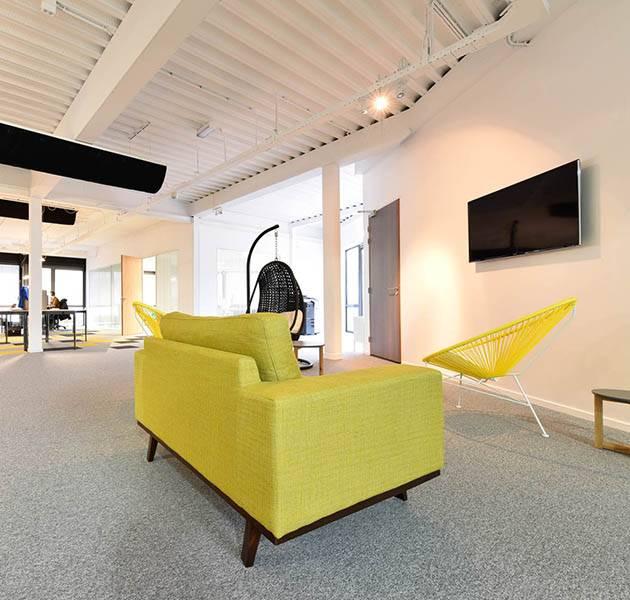 Inspiration Grande Reference Office Origami Season Winter espace detente jaune noir