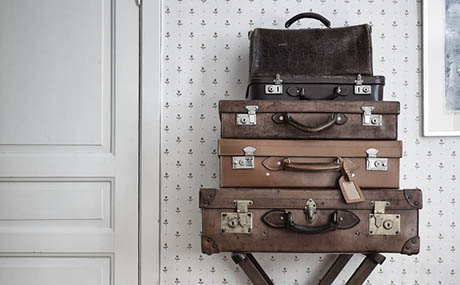 Inspiration patina decor leather suitcases